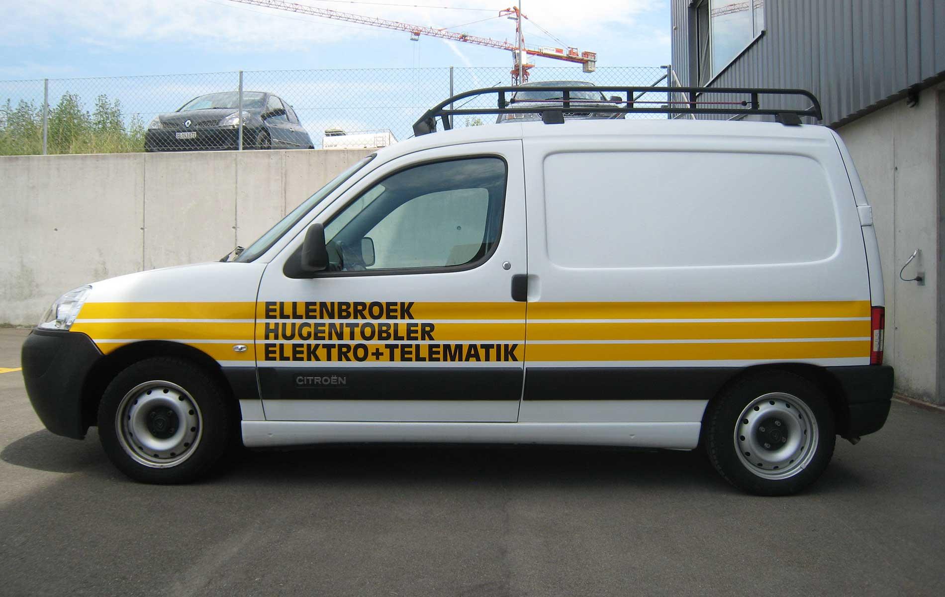 Fahrzeug von Ellenbroek Hugentobler mit Folienbeschriftung