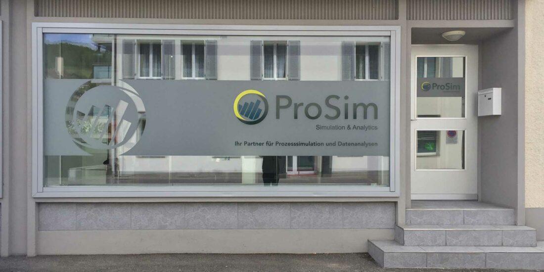 Plottschriften und Sichtschutzfolie auf Schaufenster